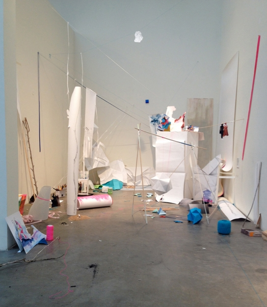 http://www.barbararink.nl/files/gimgs/th-8_installtion-overview-SFaI.jpg